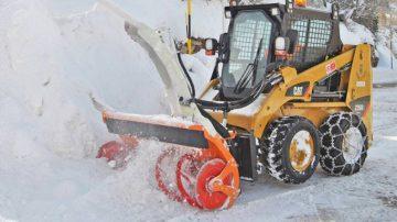 Уборка снега шнеком
